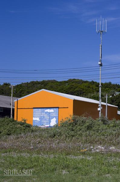 1405_黄色い倉庫.jpg