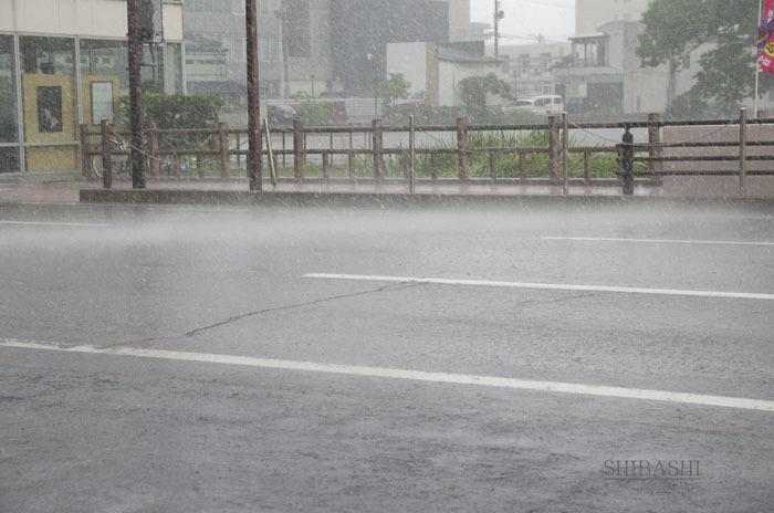 201407_強雨.jpg