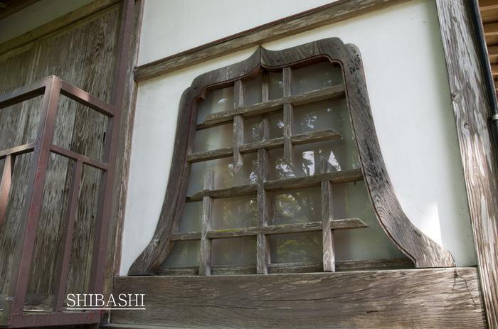 笠森-窓.jpg